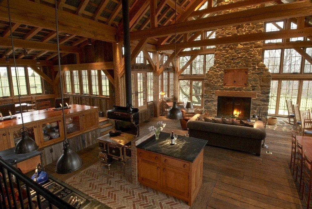 Spotlight tony zaya and lancaster county timber frames for Wood barn homes