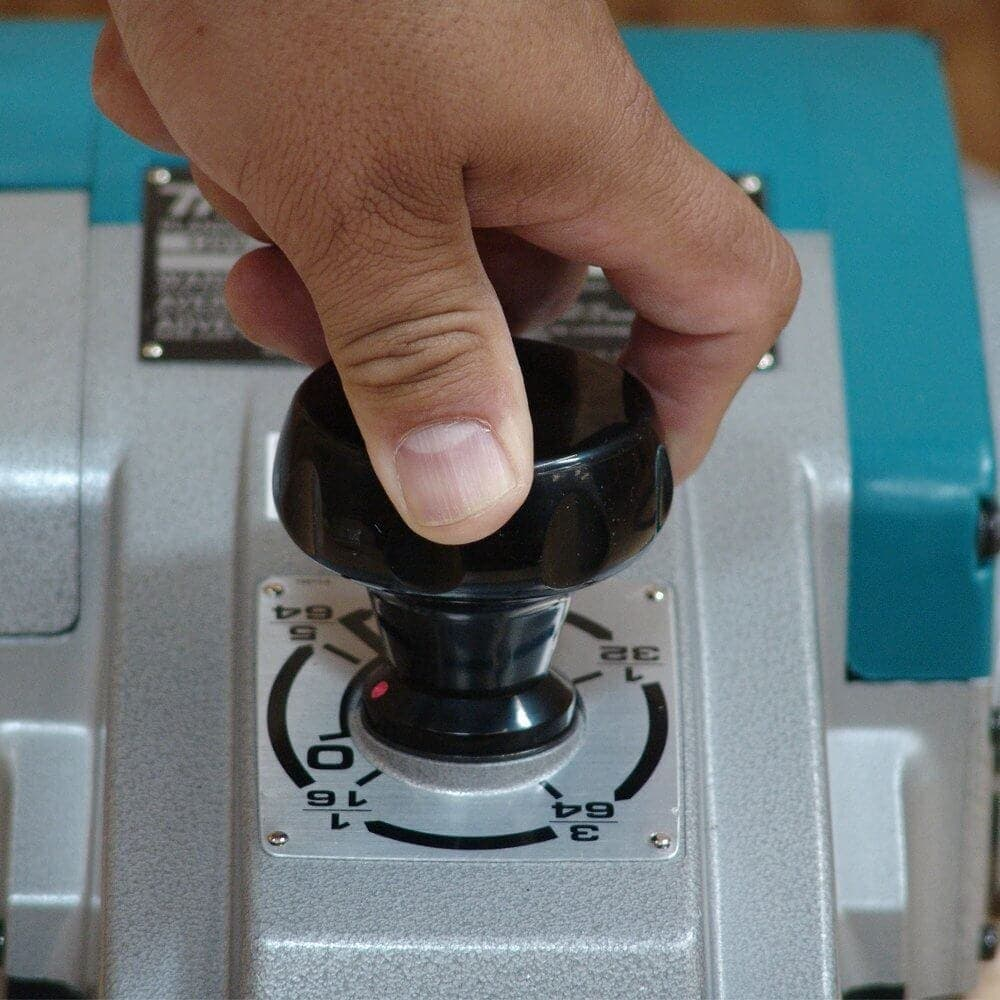 how-to-adjust-a-makita-1806-planer