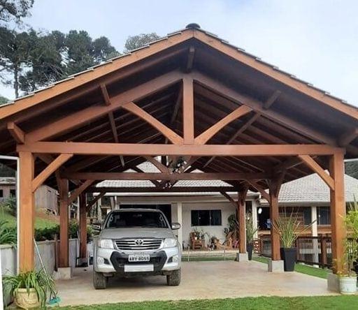 Claudio Chapieski Pine and Oak Garage